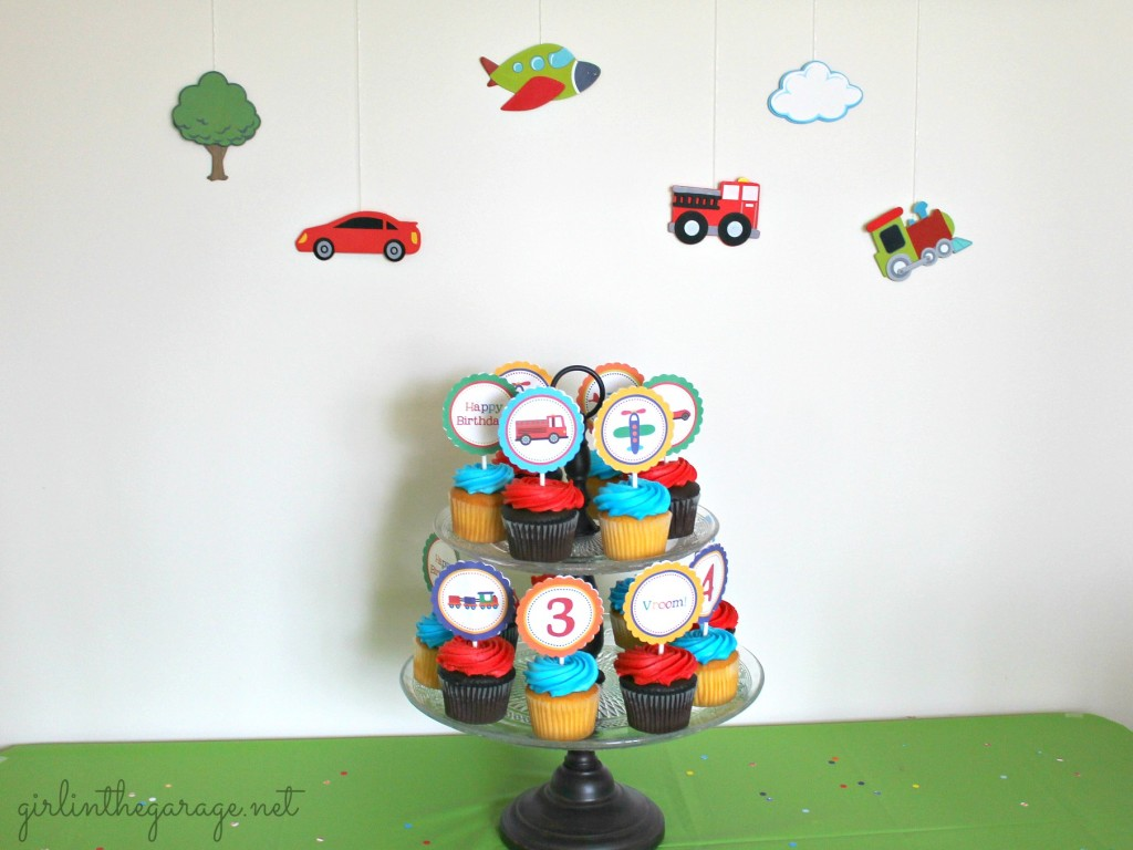 Planes, Trains, and Automobiles Birthday Party by Girl in the Garage & Kiyomi Designs.  (Cupcake Table)