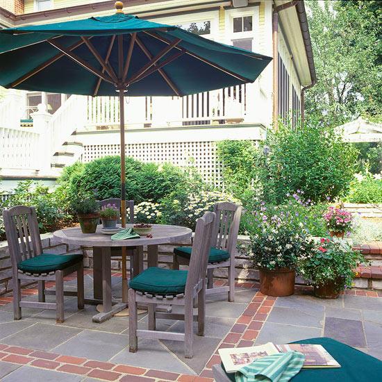 Brick patio {via Better Homes & Gardens}