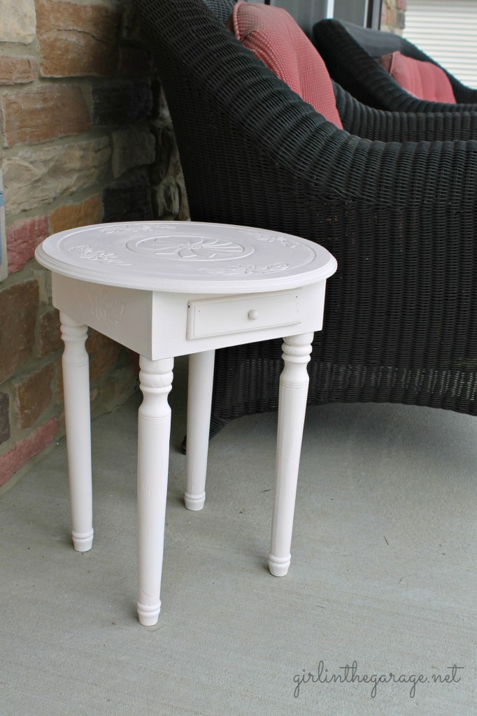 Pretty in pale pink table makeover.. and how NOT to fix a wobbly leg!