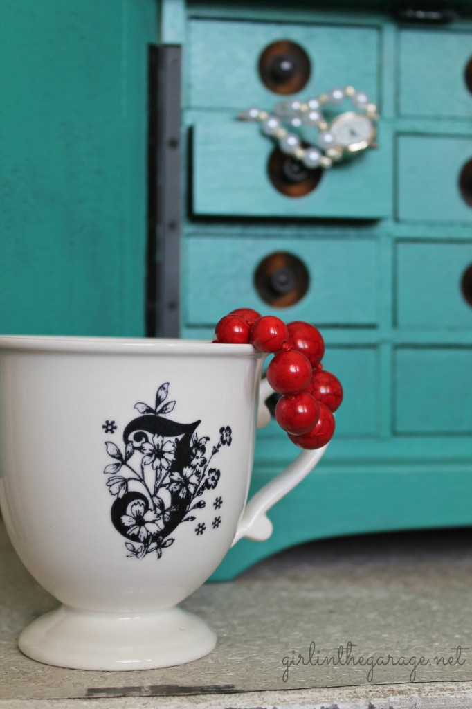 An old jewelry box gets a fresh new look with bright emerald green paint.
