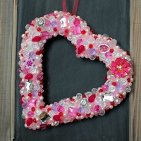 IMG_2179-beaded-heart-bling-wreath-FEAT