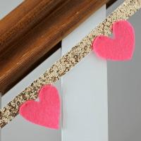 IMG_2190-heart-glitter-garland-FEAT