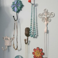 IMG_2313-jewelry-wall-hooks-necklaces-full-close-FEAT