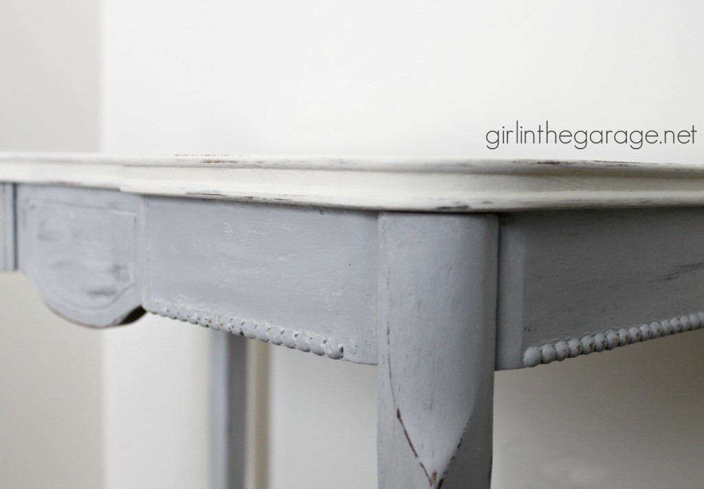 Crown Table Makeover with Annie Sloan Chalk Paint. girlinthegarage.net