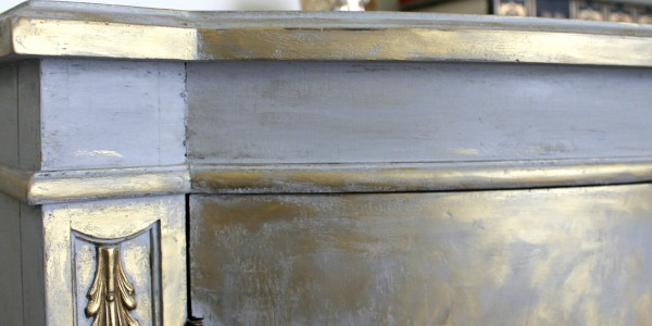 IMG_2466-gold-gray-metallic-gilding-cabinet-close-FEAT