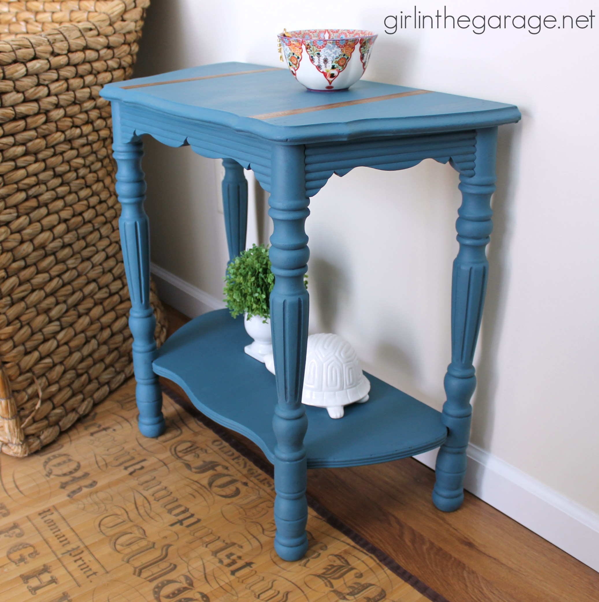 Vintage Demilune Table Makeover With Annie Sloan Chalk Paint In Aubusson  Blue. Girlinthegarage.net
