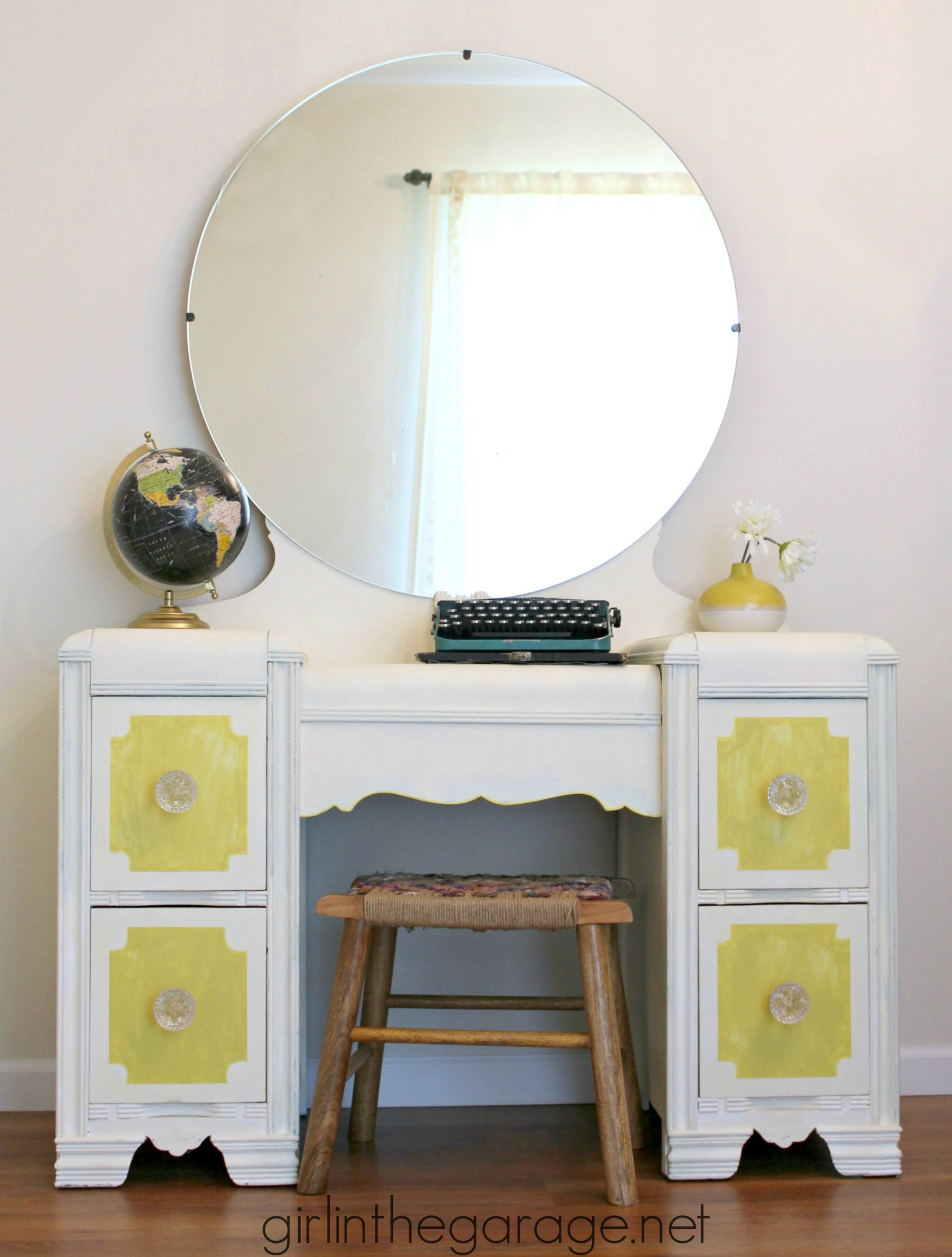 How To Chalk Paint Batgroom Vanity
