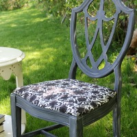 IMG_3018-chalk-paint-chair-makeover-wide-FEAT