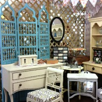 Thinking about renting an antique booth to sell your goods?