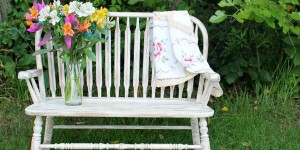 IMG_3512-distressed-antique-old-ochre-chalk-paint-bench-makeover-FEAT