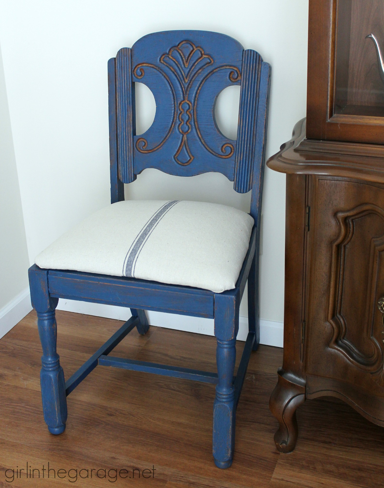 Blue Grain Sack Chair Makeover – Themed Furniture Makeover