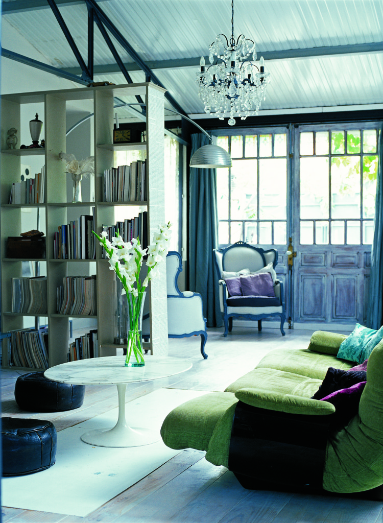 Eclectic style sitting area - photo from Annie Sloan's Room Recipes for Style and Color