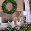 IMG_5364-summer-mantel-boxwood-wreath-frame-birds-FEAT