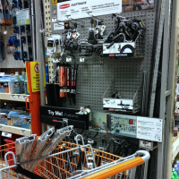 IMG_6797-home-depot-rubbermaid-fasttrack-FEAT