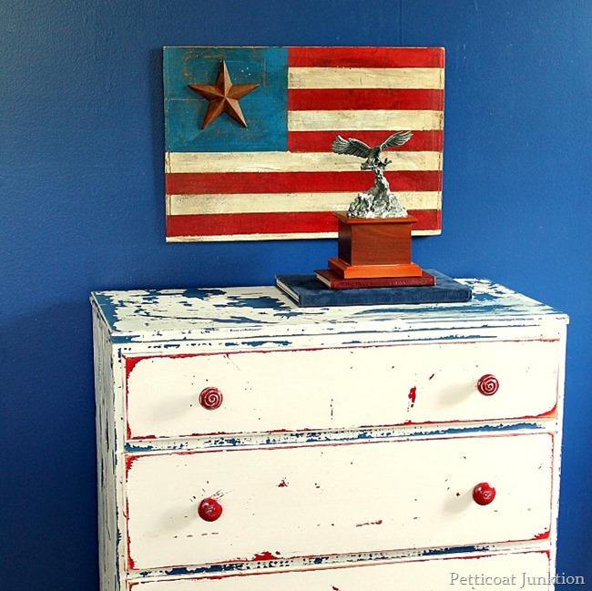 Rustic American Flag - Petticoat Junktion