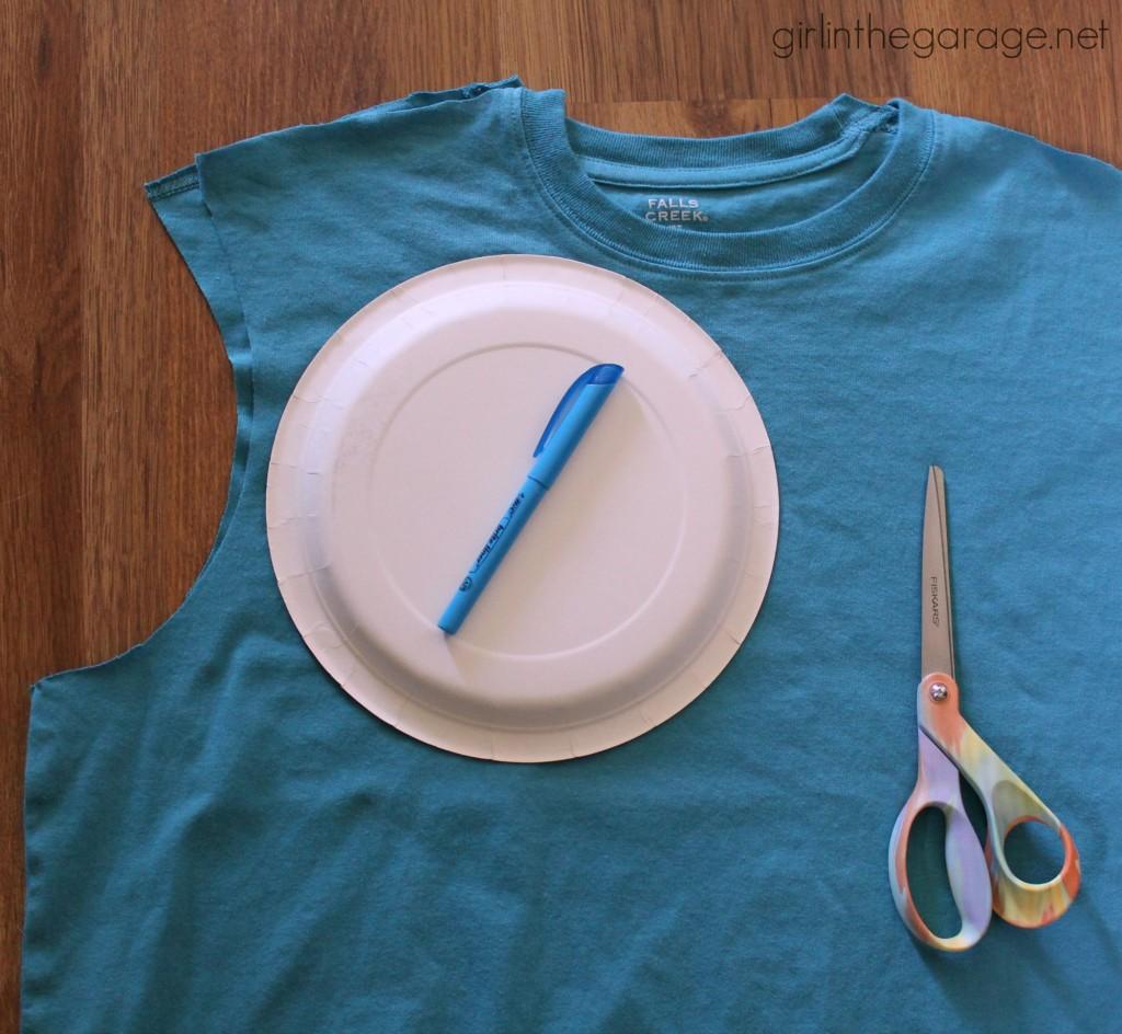 DIY Ruffle Scarf From a Men's T-Shirt  - girlinthegarage.net