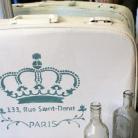 IMG_5857-chalk-paint-paris-stencil-suitcase-ft