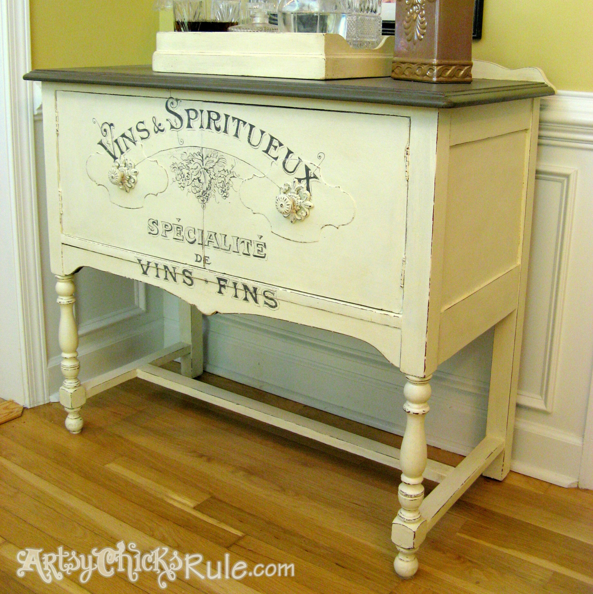 23 DIY image transfer projects on furniture and home decor - Girl in the Garage
