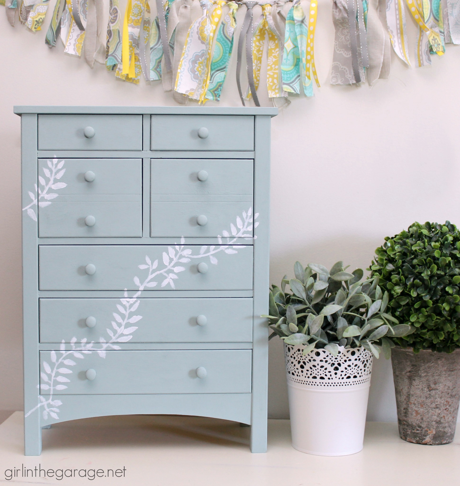 Stenciled Jewelry Box Makeover - Girl in the Garage