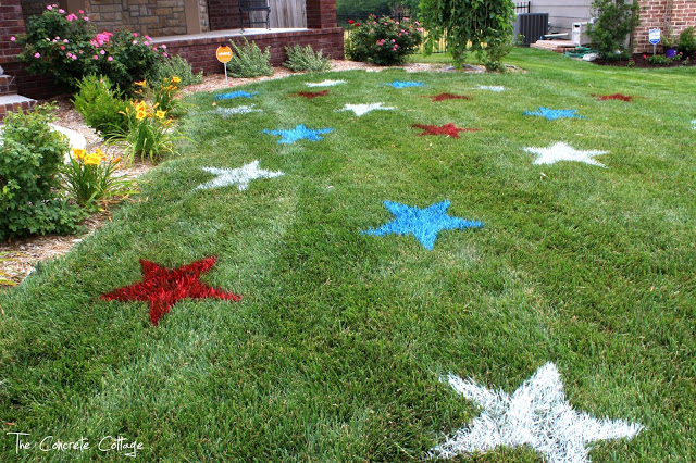 4th of July Painted Lawn Stars - via The Concrete Cottage