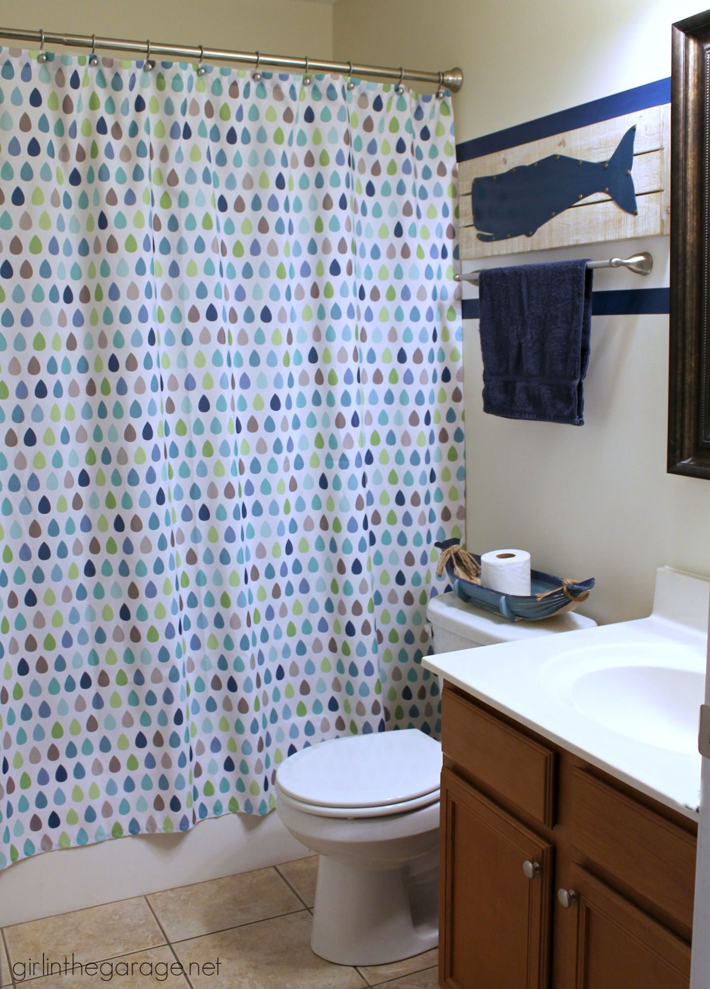How to paint crisp stripes - Boys' bathroom makeover. Girl in the Garage