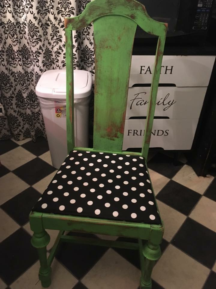 What to avoid and tips to sell refinished furniture - Girl in the Garage