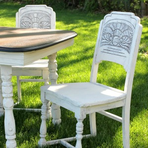 Farmhouse Style Antique Dining Set Makeover