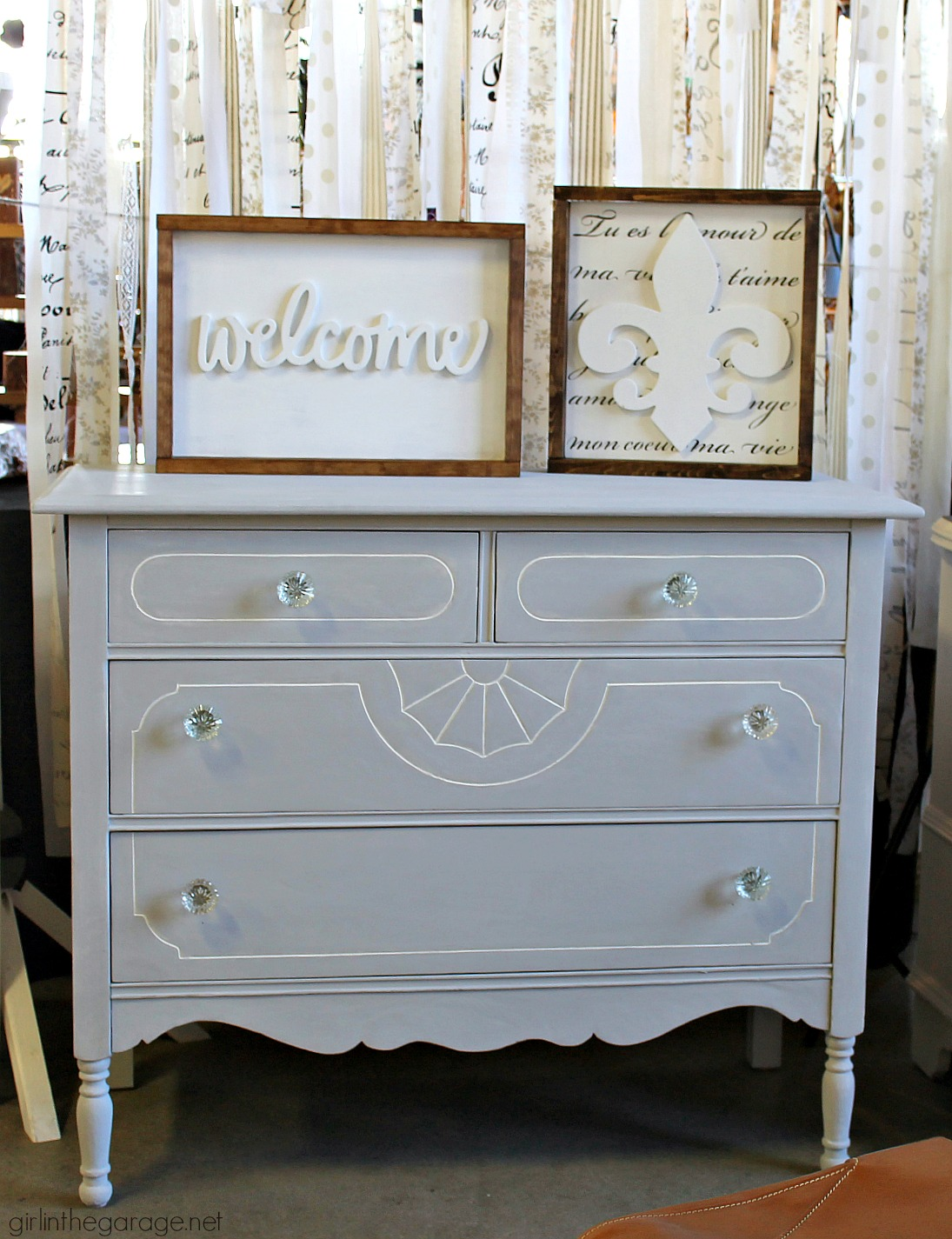IMG_7552-chalk-paint-antique-vanity-makeover - IMG_7552-chalk-paint-antique-vanity-makeover Girl In The Garage®