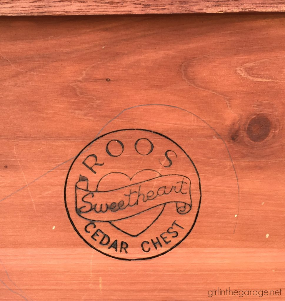 Roos Sweetheart Cedar Chest with Drawer - Furniture makeover