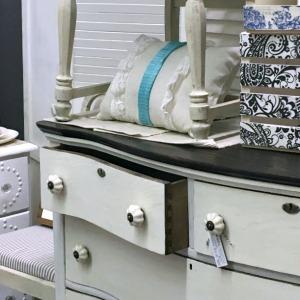 Serpentine Dresser: Trashy to Classy