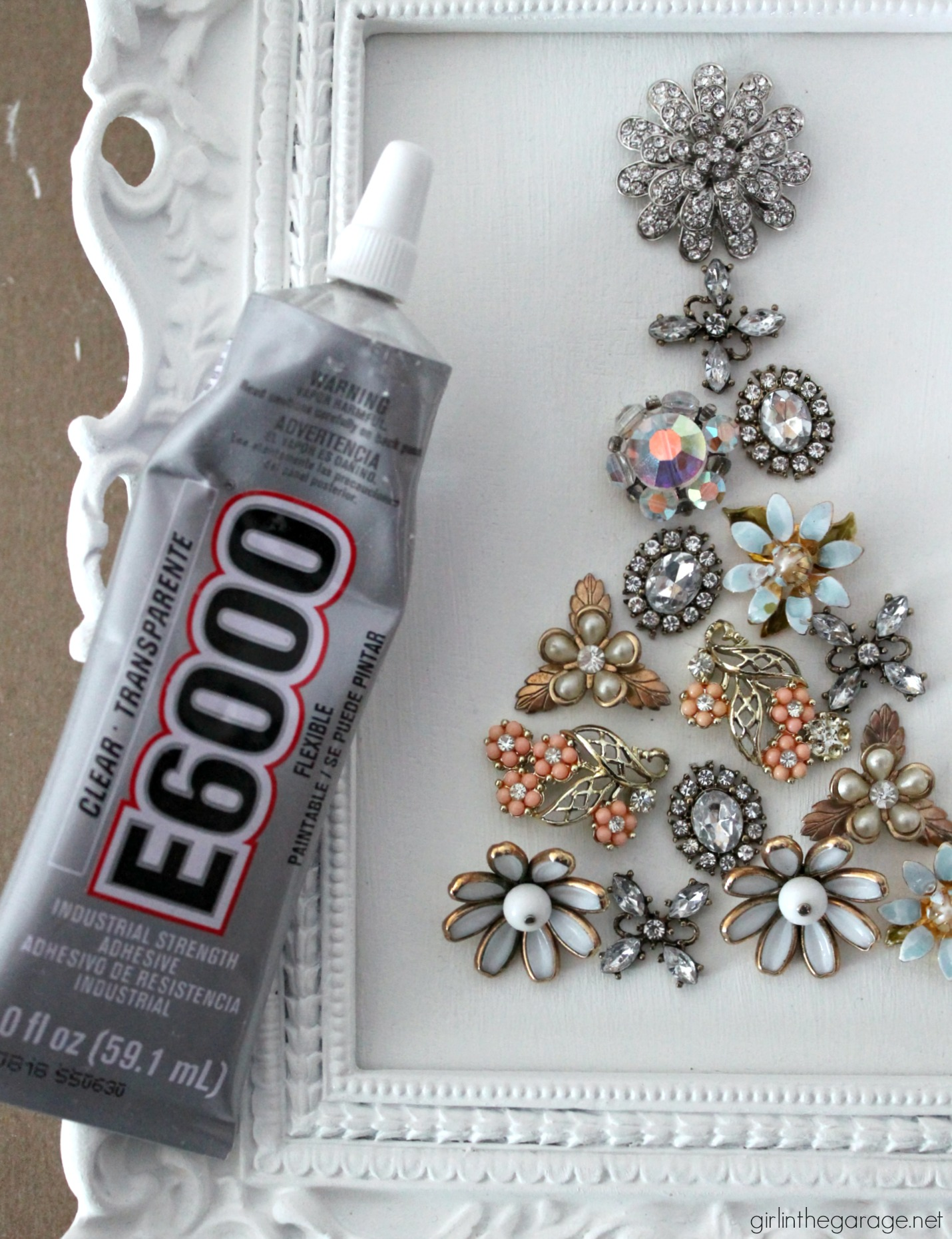 DIY vintage earring Christmas tree decor from repurposed thrifted jewelry - Easy tutorial by Girl in the Garage
