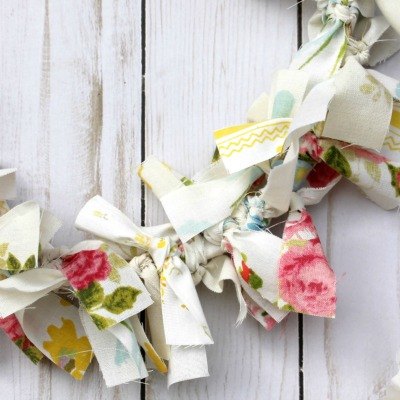 Easy DIY Rag Wreath from Vintage Bed Linens