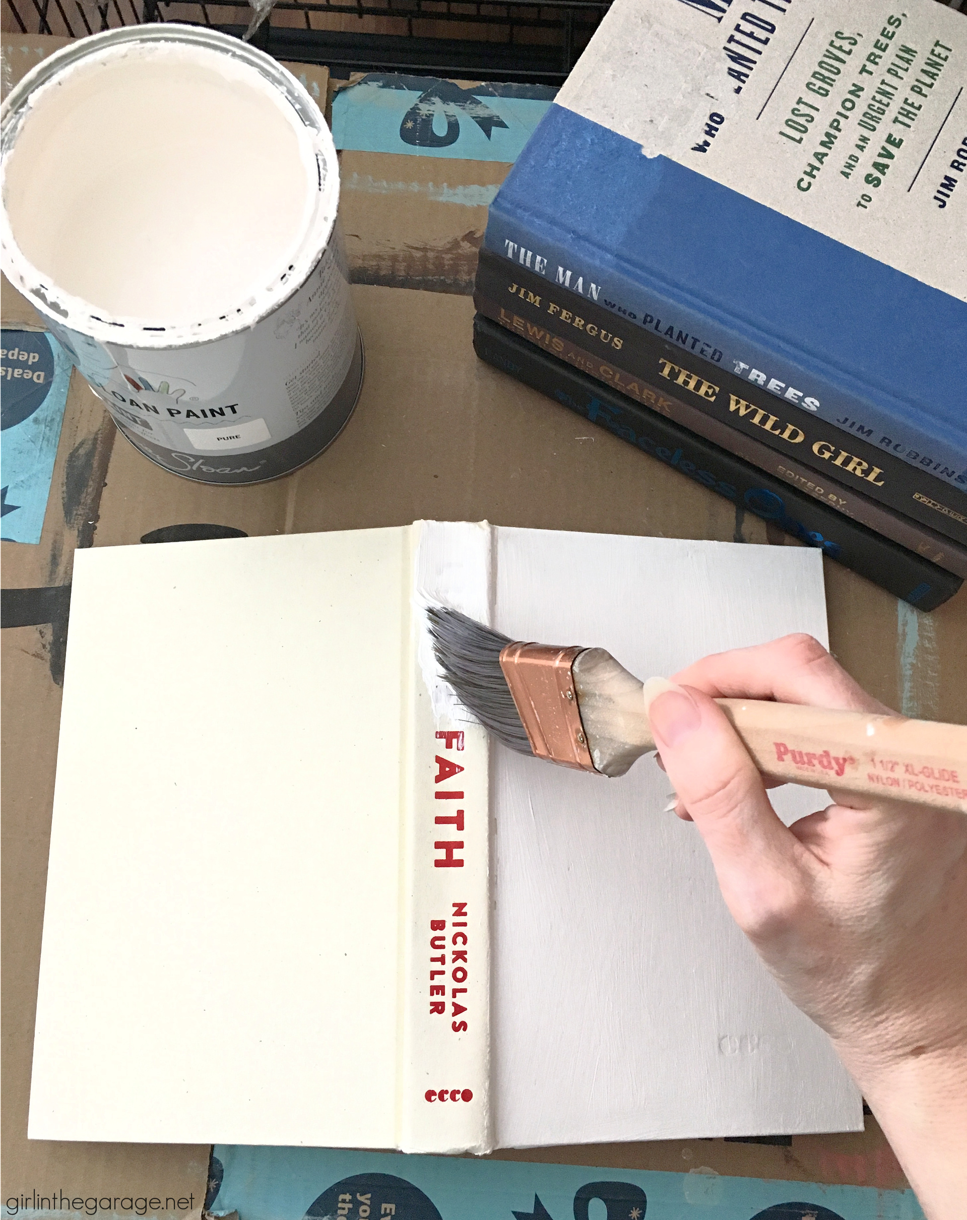 Easy beautiful decor: Chalk Painted books with stencil. Learn how in this step by step tutorial with video! DIY decor ideas by Girl in the Garage