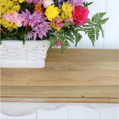 DIY Farmhouse Sofa Table