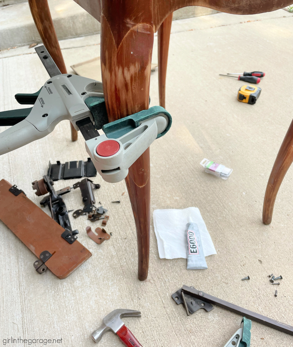 How to repurpose a sewing machine table into a stylish hall table or desk with new stained wood top and elegant Chalk Painted finish. By Girl in the Garage
